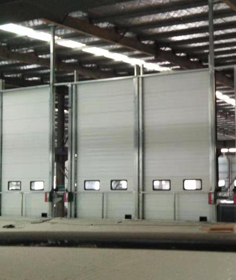 湖北瓦德新材料安装提升门