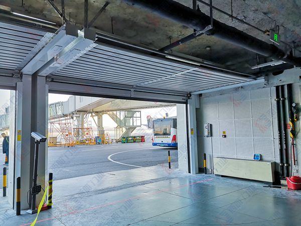 宁夏银川国际机场安装硬质门