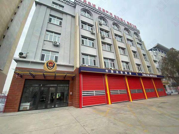 内蒙古赤峰消防安装的硬质车库门2.jpg