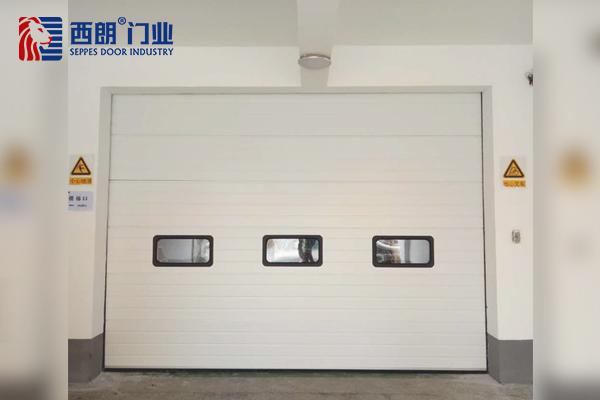 常温工作车间保温工业提升门